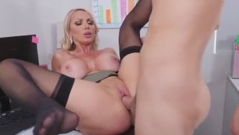 Uk Milf Starr